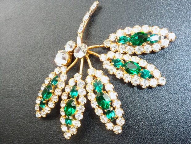 Beautiful Emerald Green and White Suite